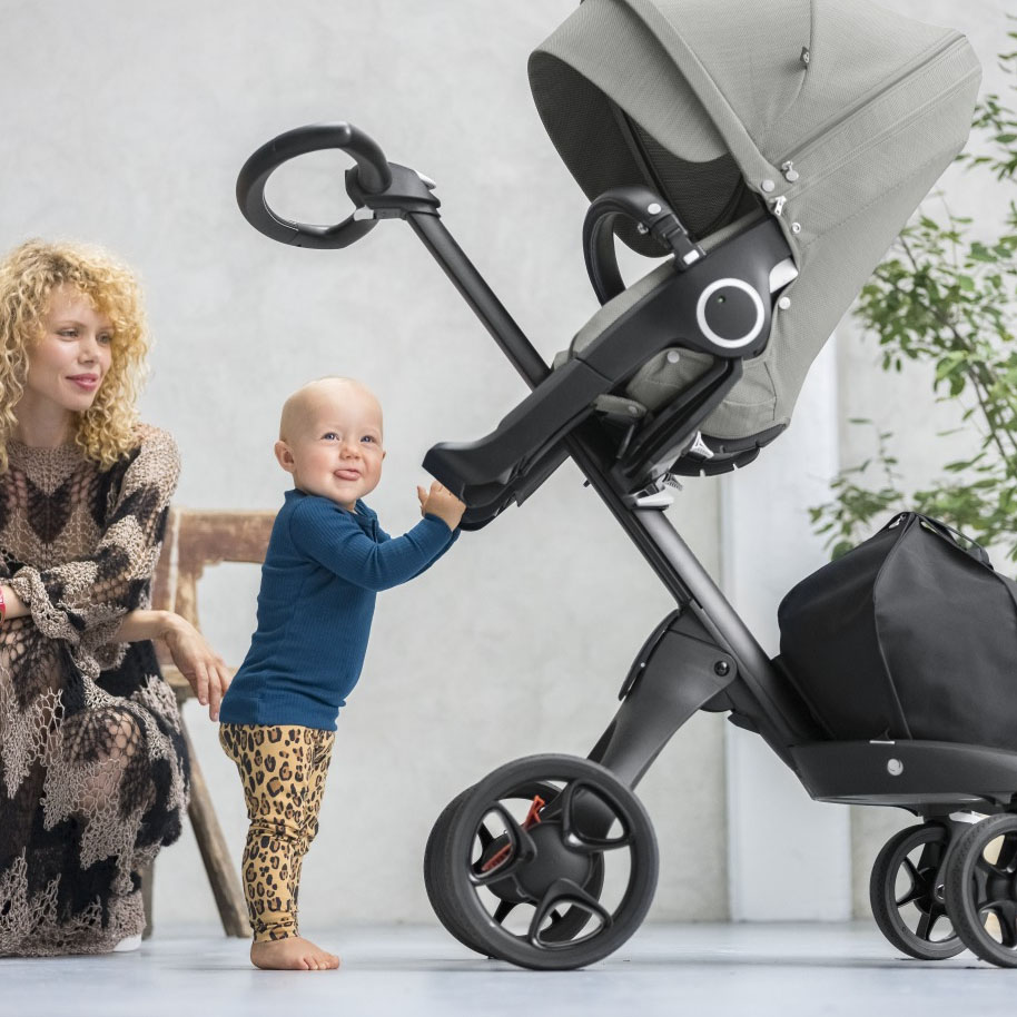 Mum and baby with Stokke Xplory 6