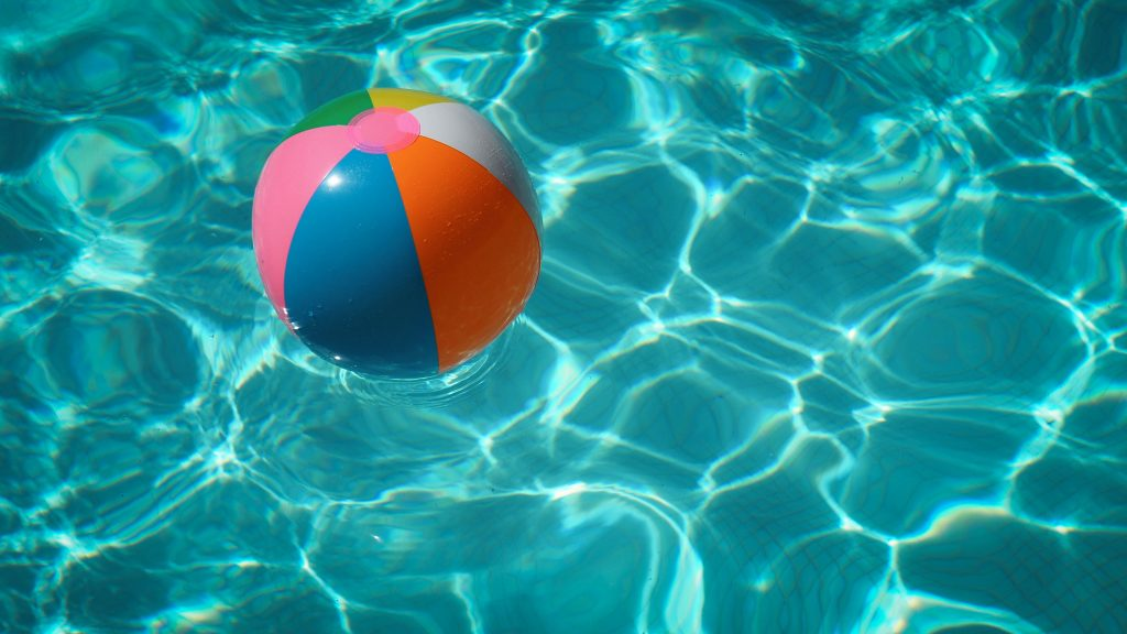 Swimming pool for ball