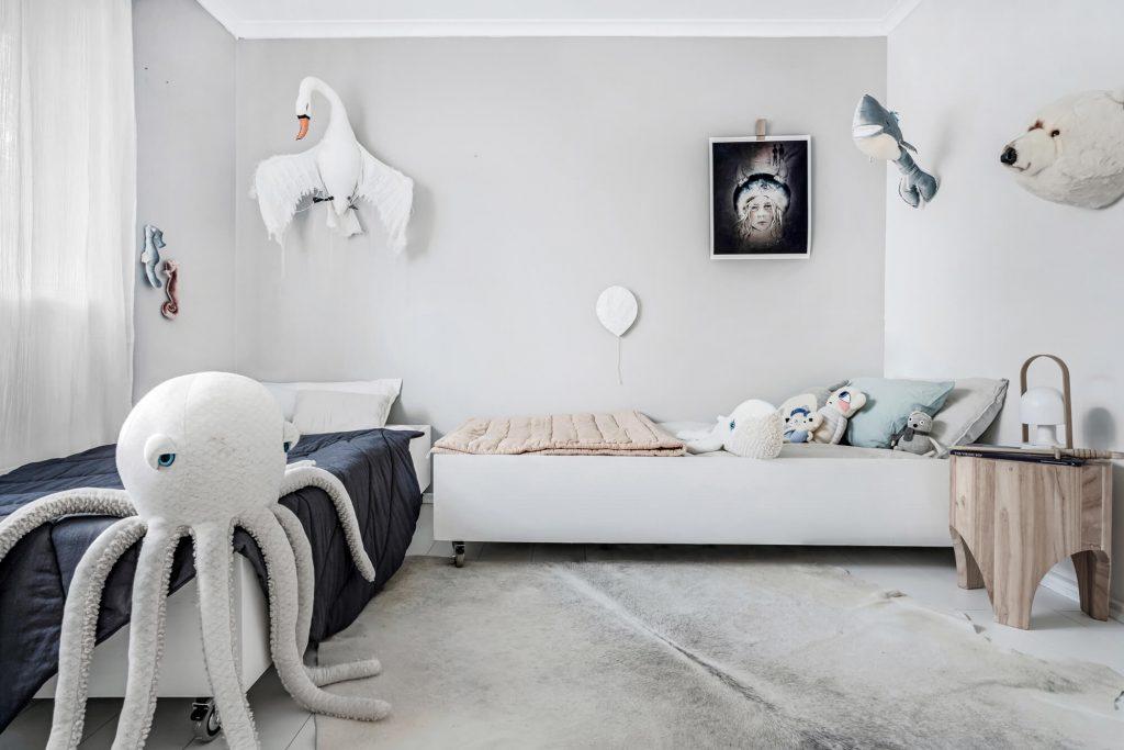 chill bedroom mama disrupt