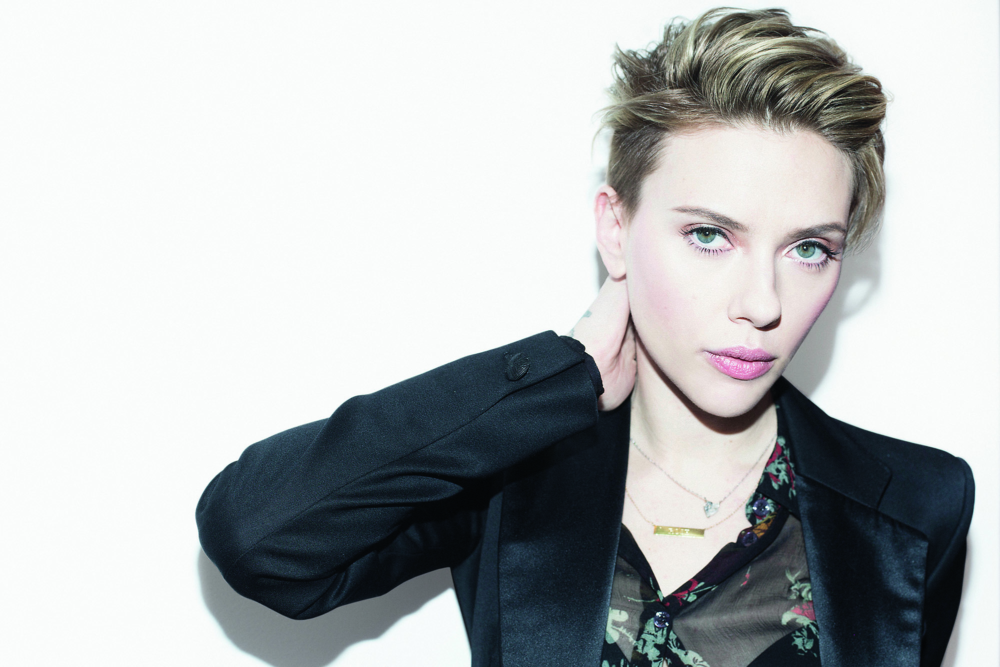 Scarlett Johansson mama disrupt